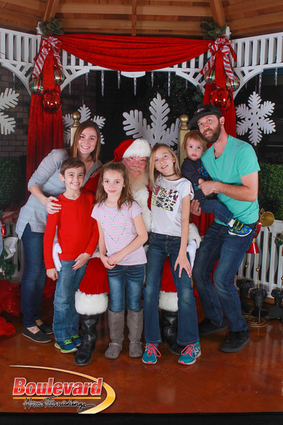 Santa 12-10-16-353.jpg
