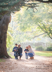 Family photo session in Bushy Park
