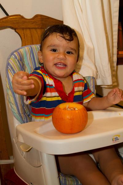 PumpkinCarving-3.jpg
