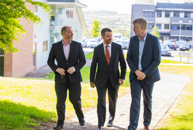 16/05/2017. Pictured at WIT ArcLabs where the Australian ambassador Richard Andrews visited. Pictured are Ciaran Cullen, Australian ambassador Richard Andrews and Ben Cronin. Picture: Patrick Browne