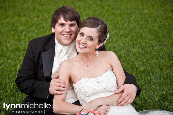 Emily & Daniel's wedding day portraits at Stonegate Mansion & Marty Leonard Chapel, Fort Worth