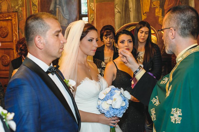 Andreea-biserica-18-October-2014-Nunta--LD2_7582Liviu-Dumitru.jpg