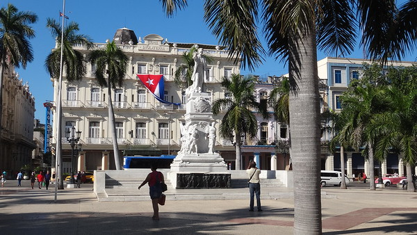 H&M in Cuba-January 2019