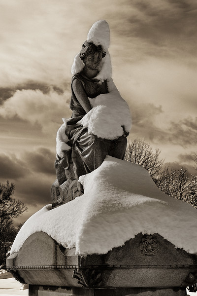10x15-SnowStatue.jpg