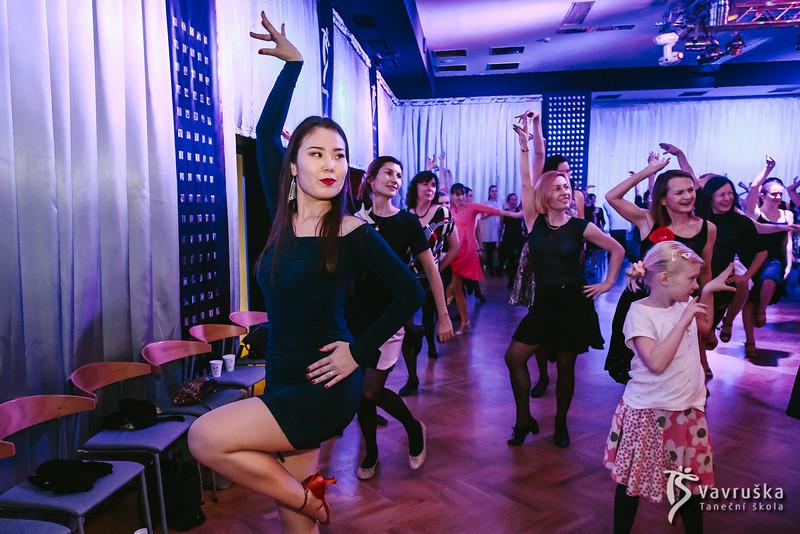 20191210-190150_0214-ladies-night-vavruska-charitas.jpg