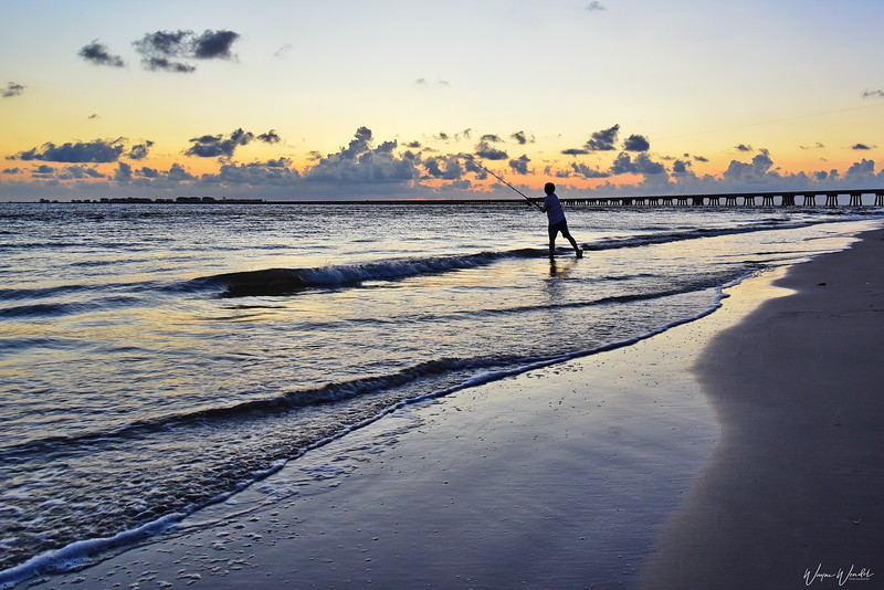 20190718_San_Luis_Pass_Sunrise_Fisherman_750_2235a.JPG