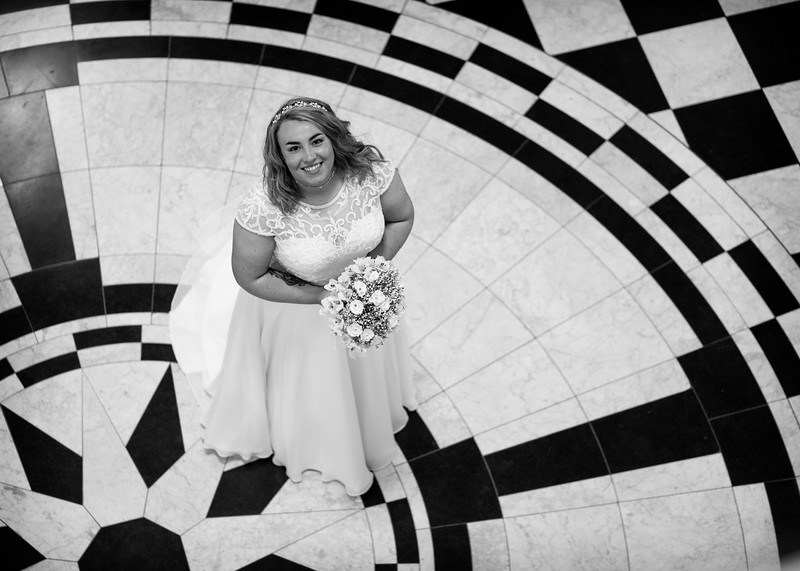 Bridal Portrait City Hall Belfast.jpg