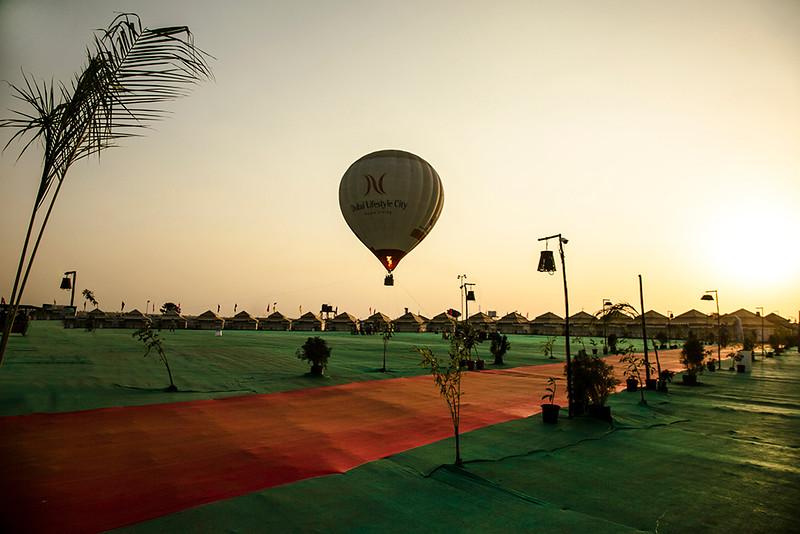 hot air balloon evening s.jpg