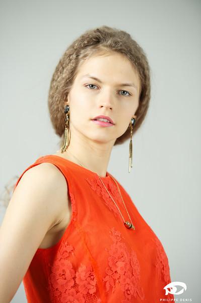 Irina Portrait w logo-5.jpg