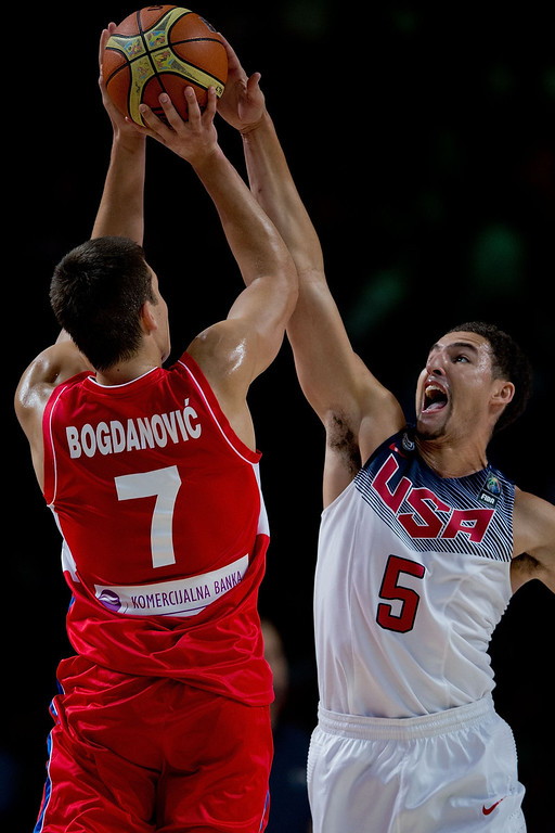 . Klay Thompson (R) of the USA blocks Bogdan Bognadgovic (L) of Serbia during the 2014 FIBA World Basketball Championship final match between USA and Serbia at Palacio de los Deportes on September 14, 2014 in Madrid, Spain. (Photo by Gonzalo Arroyo Moreno/Getty Images)