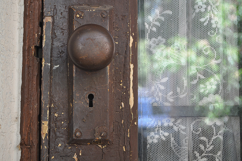 door knob 1 4-18-2012.jpg