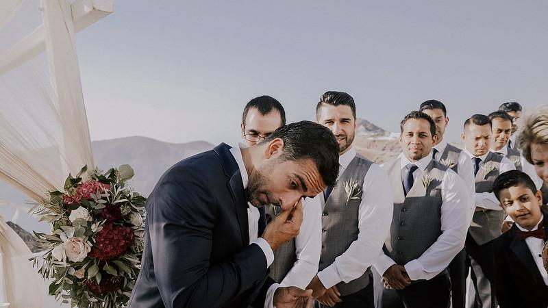 Tu-Nguyen-Destination-Wedding-Photographer-Santorini-Rocabella-Hotel-Euna-Ehsan-413.jpg