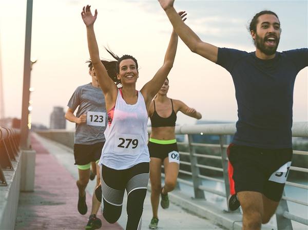 170614-marathon-runners-together-ed-155p_fa61d59b054995dbb9a6bd4f18444159.fit-760w.jpg