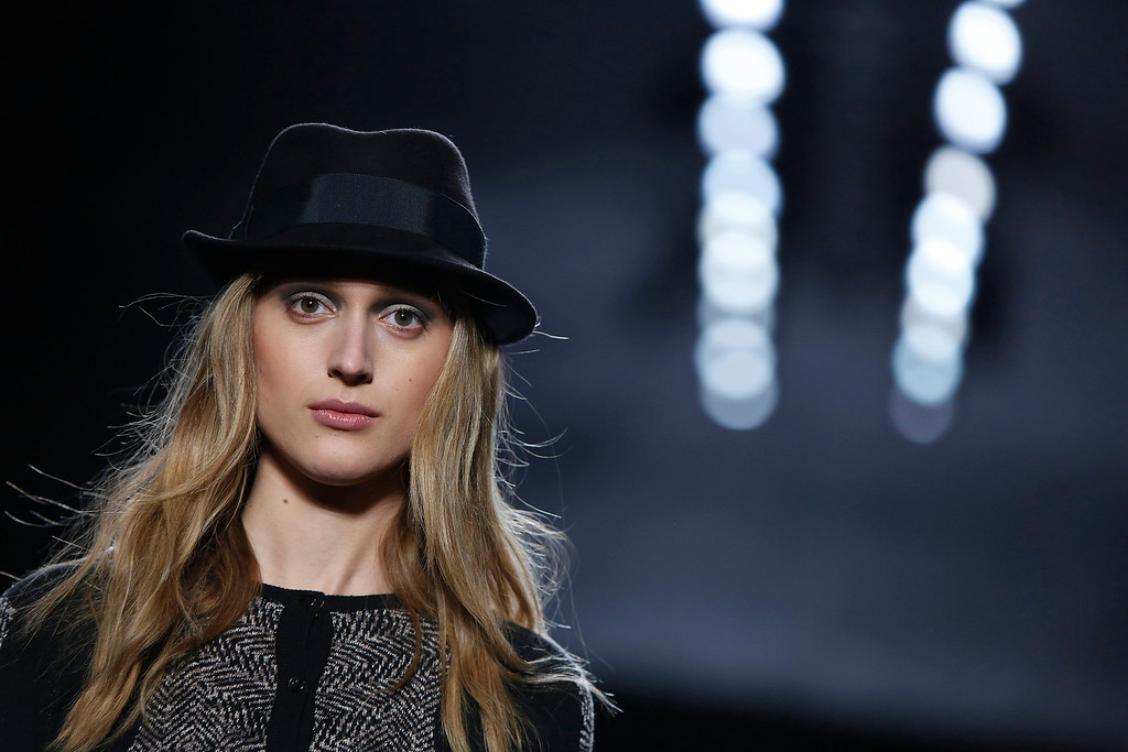 . A model presents a creation during the Nicole Miller Fall 2013 show at New York Fashion Week in New York, February 8, 2013.  REUTERS/Carlo Allegri