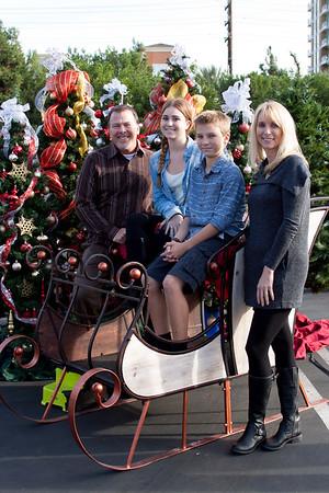 Christmas Eve 3pm Service Family Portraits 2015-12-24