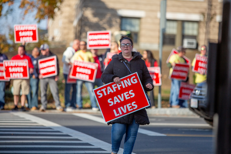 11-4-2019 Staffing Picket (17).jpg