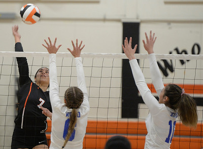 Vacaville High girls beat Wood, clinch MEL volleyball crown
