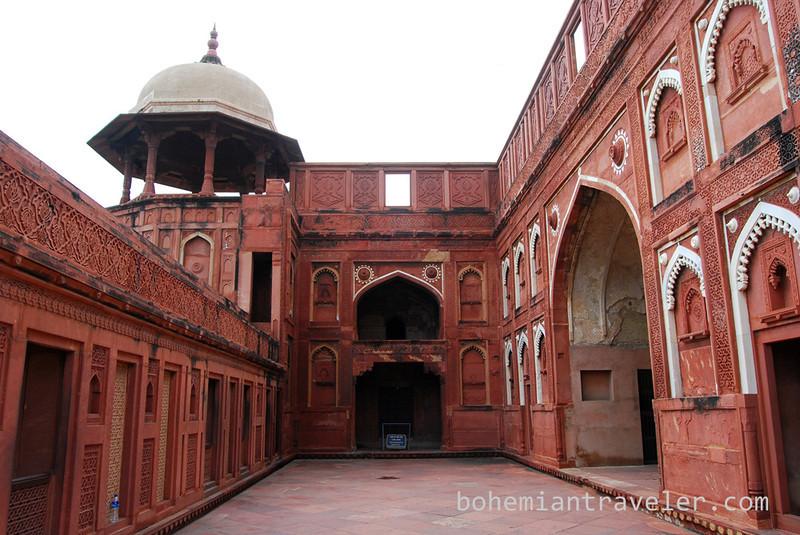 inside Agra Fort (2).jpg