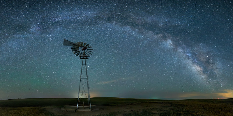 Windmill MilkyWay.jpg
