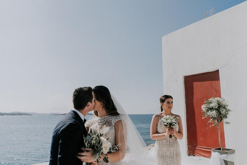 Tu-Nguyen-Destination-Wedding-Photographer-Mykonos-Katherine-Benji-247.jpg