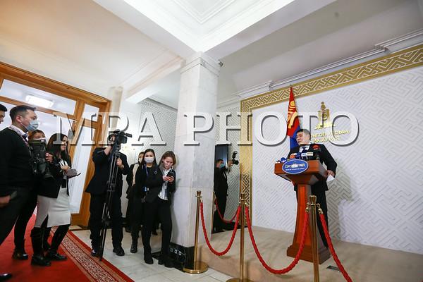 """Монгол Улсын сайд, ЗГХЭГ-ын дарга Л.Оюун-Эрдэнэ """"Монгол Улсын урт хугацааны хөгжлийн бодлого 2050""""-ыг УИХ-ын даргад өргөн барилаа"""