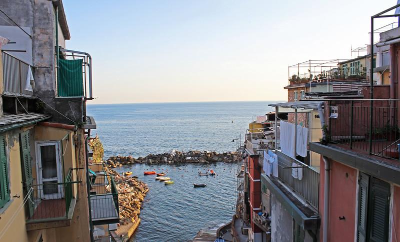 Italy-Cinque-Terre-Riomaggiore-03.JPG