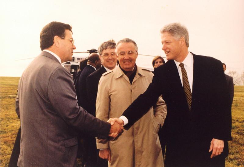 1997_dad_&_bill_clinton.jpg