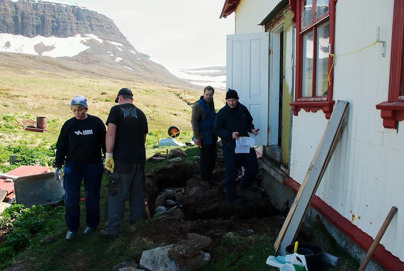 Inga smiður, Helgi hleðslumaður, Stefán smiður og Guðmundur Lúther arkitekt