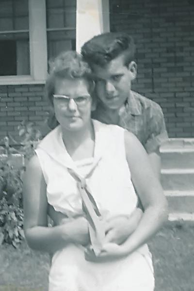 Mom&Pop_001.jpg