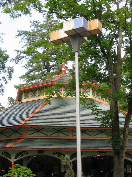 The last remaining World's Fair light fixture. My guess is that it, too, will soon be removed.