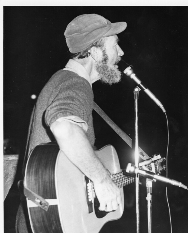 . Pete Seeger. Daily Freeman photo by Bob Haines.