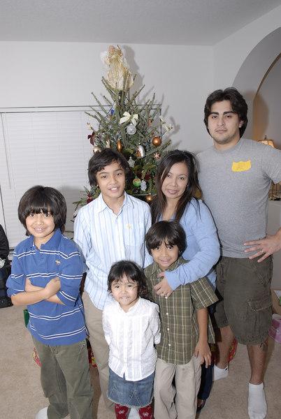 2006 12 24 - Xmas Eve at Joe and Mel's 025.JPG