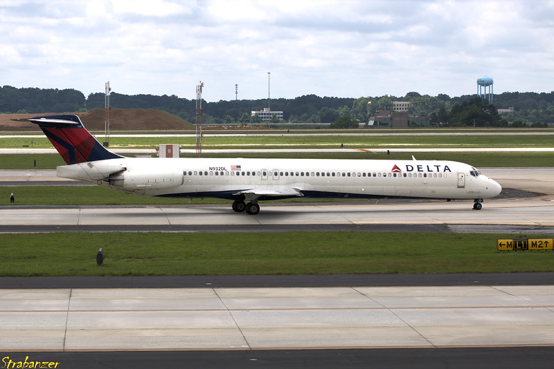 MD-88  s/n 49719 N932DL Delta
