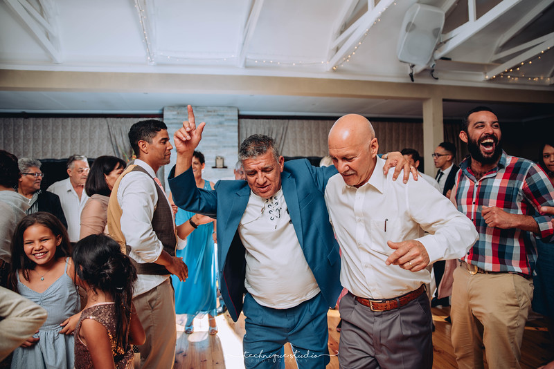 BRETT & CARMEN WEDDING PREVIEWS-142.JPG
