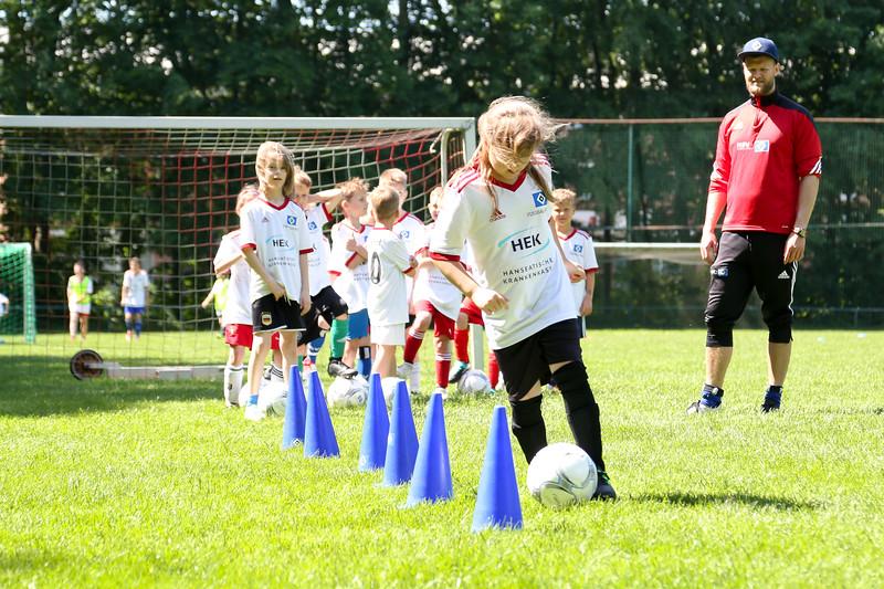 hsv_fussballschule-388_48048036067_o.jpg