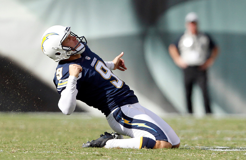 . San Diego Chargers\' Nick Novak celebrates after kicking the go-ahead field goal during the second half of an NFL football game, Sunday, Sept. 15, 2013, in Philadelphia. San Diego won 33-30. (AP Photo/Philadelphia Daily News, David Maialetti)