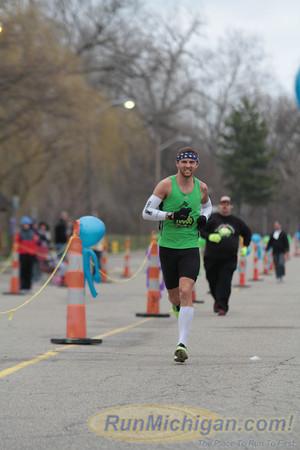 Marathon Finish - 2013 Martian Invasion of Races