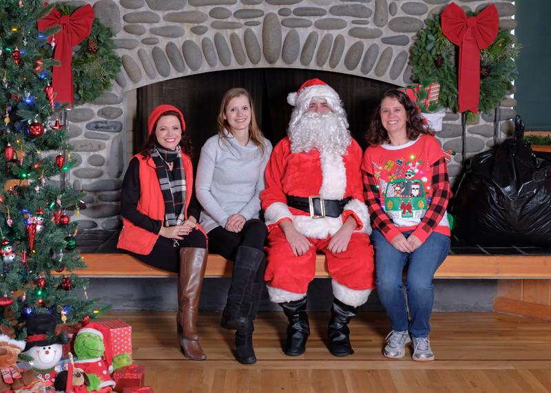 CB Santa 2019-7722.jpg