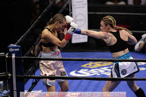 Heather Hardy Beats Anna Hultin by 4th Round TKO