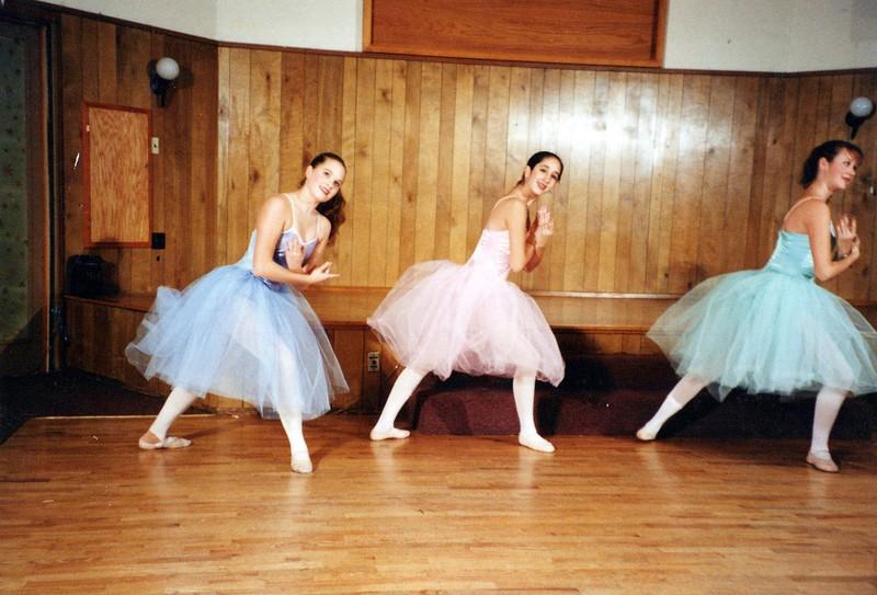 Dance_1954_a.jpg