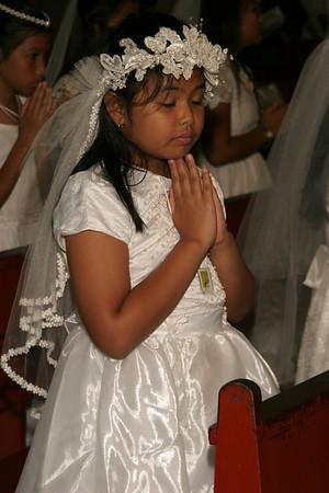 Holy Communion 5-23-09 Candids of girl celebrants