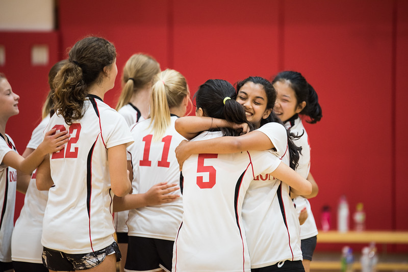 MS Girls Volleyball YIS-9164.jpg