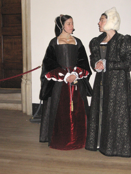 Actresses portraying Anne Bolen and Maria de Salinas Lady Willoughby, Queen Catherine's closest confidant, who had come with her from Spain.