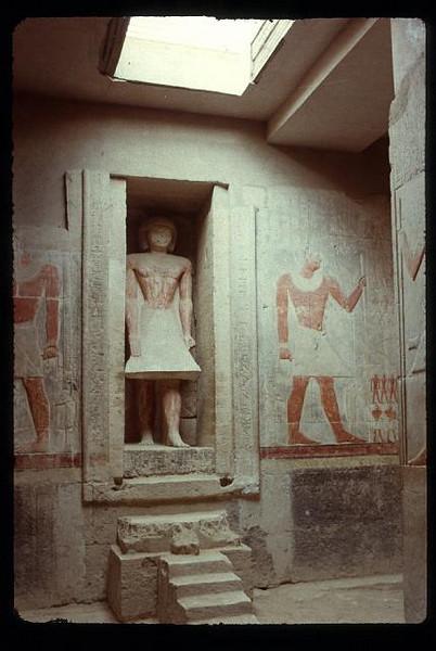 001_Sakkarah_Mastaba_de_Mereruka_Statue_en_calcaire_de_Mereruka.jpg