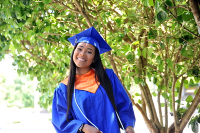 Yasmine Graduation Photoshoot
