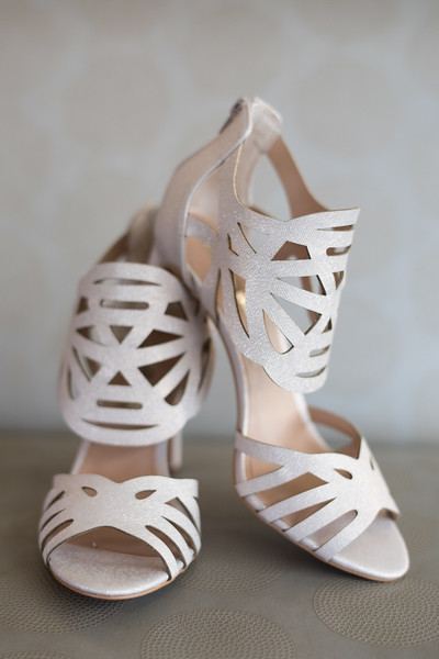 bride-wedding-shoes (28 of 28).jpg