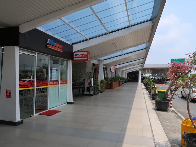 IMG_3346-outside-shops.JPG