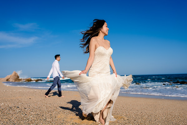 Los Cabos trash the dress. Frances and Lam