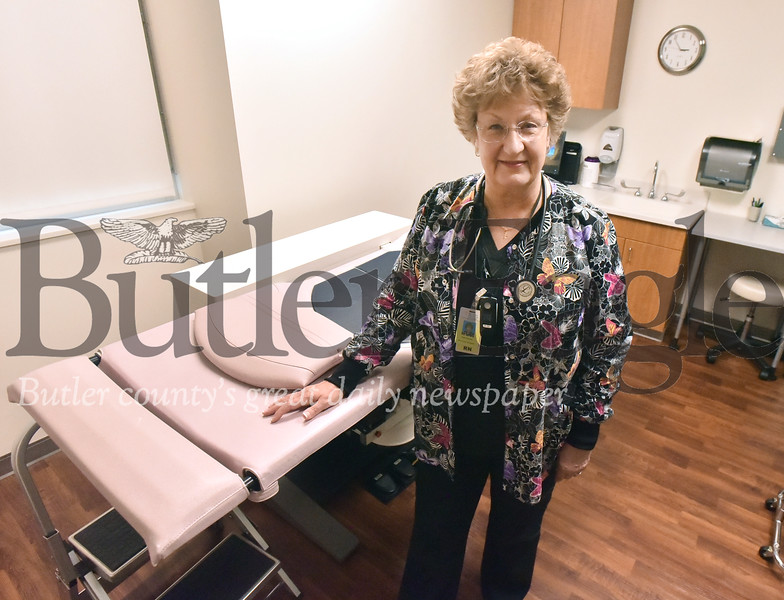46905 Patti Kenaan, nurse navigator at the Woman's Imaging Center