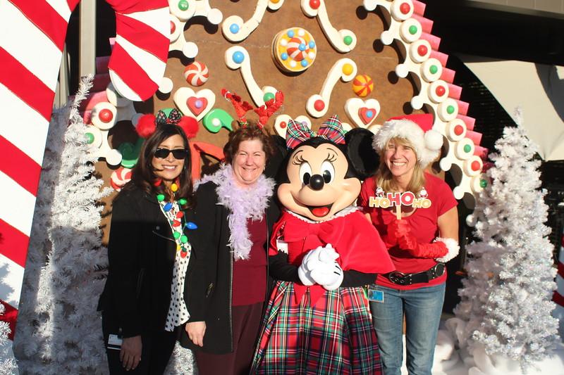 Walt_Disney_Imagineering_Holiday_2017_Individuals_ (36).JPG